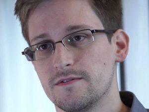 Edward Snowden, der Jerome Boateng unter den Whistleblowern